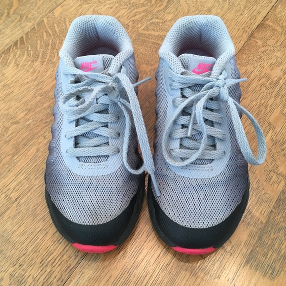 Toddler girls gray Nike shoes size 10.5